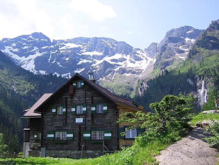 Foto: Andreas Koller / Wander Tour / Über die Hans Wödl Hütte auf die Hochwildstelle (2747 m) / Hans Wödl Hütte gegen Hochwildstelle / 11.06.2007 21:08:27