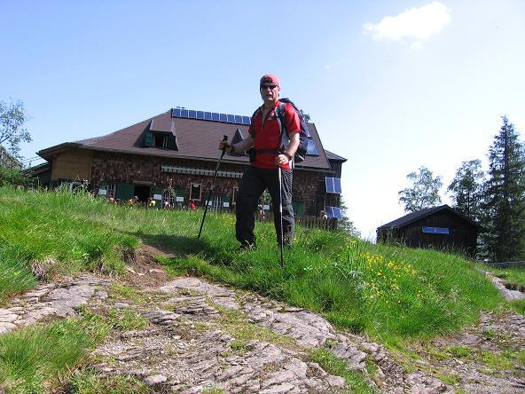 Foto: Andreas Koller / Wander Tour / Über die Hans Wödl Hütte auf die Hochwildstelle (2747 m) / Rast auf der gemütlichen Wödl Hütte / 11.06.2007 21:09:00