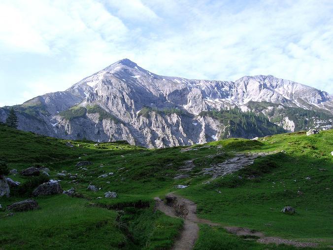 Foto: Andreas Koller / Wander Tour / Vom Giglachsee auf die Engelkarspitze (2518 m) / Die Steirische Kalkspitze von der Ursprungalm (2459 m) / 11.06.2007 22:39:19