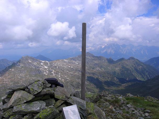 Foto: Andreas Koller / Wander Tour / Vom Giglachsee auf die Engelkarspitze (2518 m) / Blick vom Gipfel nach N / 11.06.2007 22:44:12