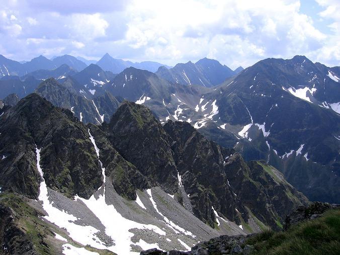 Foto: Andreas Koller / Wander Tour / Vom Giglachsee auf die Engelkarspitze (2518 m) / Blick nach SO in das Herz der Schladminger Tauern / 11.06.2007 22:45:57
