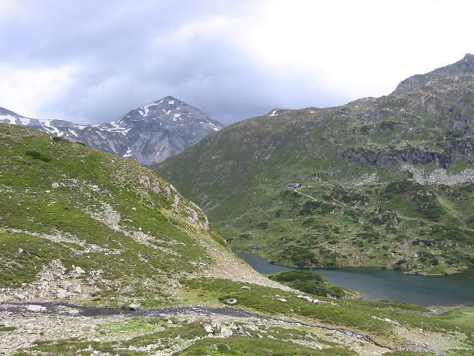 Foto: Andreas Koller / Wander Tour / Vom Giglachsee auf die Engelkarspitze (2518 m) / Ein Gewitter braut sich über der Steirischen Kalkspitze zusammen / 11.06.2007 22:46:55