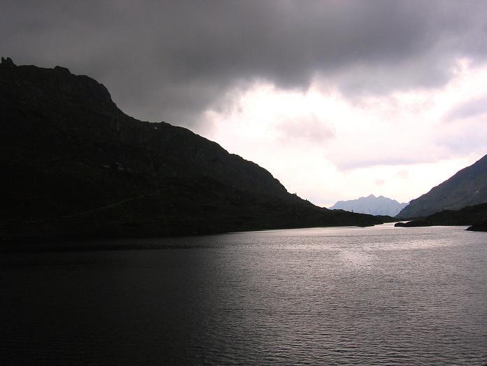 Foto: Andreas Koller / Wander Tour / Vom Giglachsee auf die Engelkarspitze (2518 m) / Gewitterstimmung am Giglachsee / 11.06.2007 22:47:11
