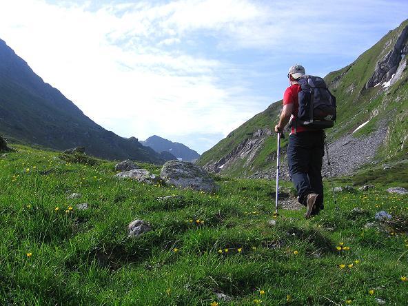 Foto: Andreas Koller / Wander Tour / Vom Giglachsee auf die Engelkarspitze (2518 m) / Auf dem Weg zu den Giglachseen / 11.06.2007 22:40:33