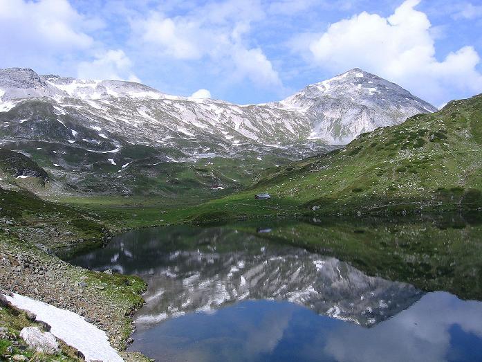 Foto: Andreas Koller / Wander Tour / Vom Giglachsee auf die Engelkarspitze (2518 m) / Unterer Giglachsee und Steirische Kalkspitze (2459 m) / 11.06.2007 22:41:48
