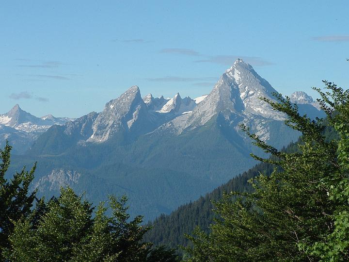 Foto: Johann Kussegg / Klettersteig Tour / Hochthron-Klettersteig  / Im Aufstieg zum Scheibenkaser geht der Blick zum Watzmann / 13.06.2007 11:39:27