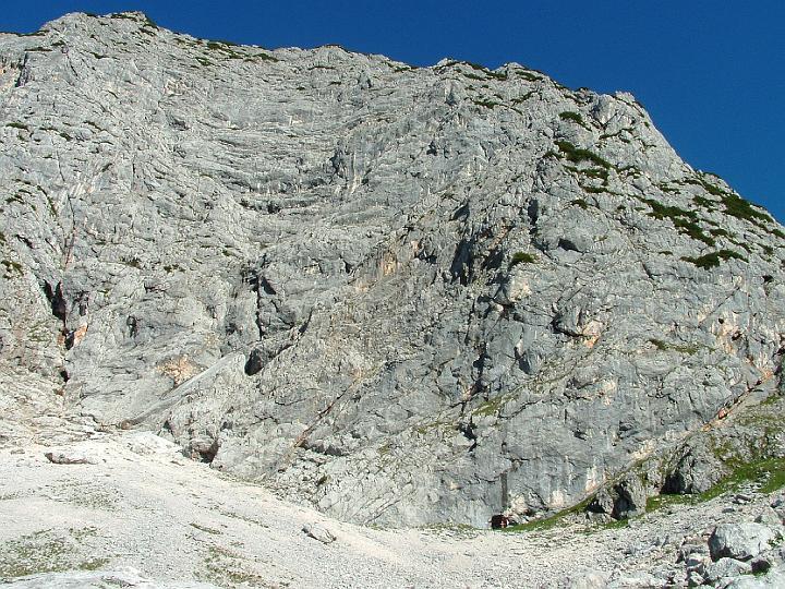 Foto: Johann Kussegg / Klettersteig Tour / Hochthron-Klettersteig  / In Bidmitte zieht in etwa der Klettersteig durch die Ostwand / 13.06.2007 11:40:33