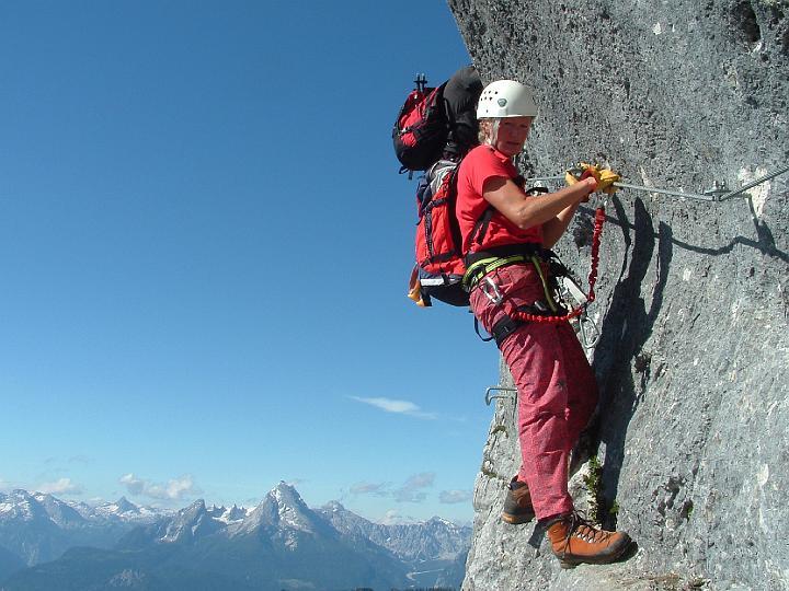 Foto: Johann Kussegg / Klettersteig Tour / Hochthron-Klettersteig  / am Fotoquergang mit Blick zum Watzmann / 13.06.2007 11:45:44
