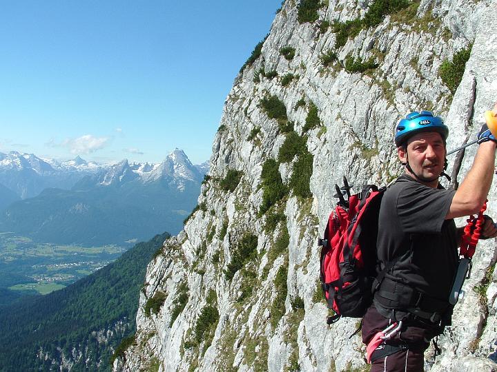 Foto: Johann Kussegg / Klettersteig Tour / Hochthron-Klettersteig  / kurze Rast am Wandbuch / 13.06.2007 11:48:21