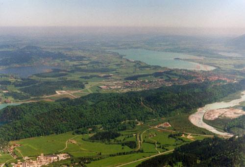 Foto: vince 51 / Wander Tour / Vilser Kegel / Hopfensee, Füssen und Forggensee, links im Vordergrund Vils / 15.06.2007 22:36:09
