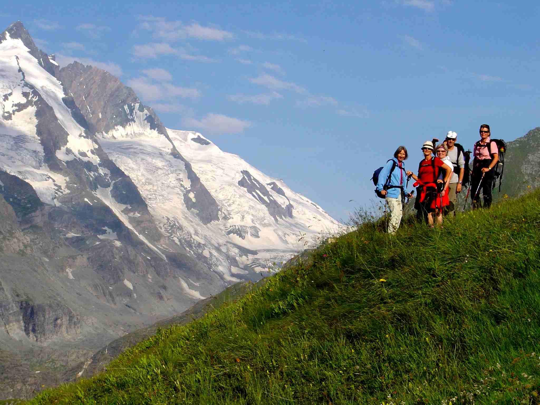 Foto: Manfred Karl / Wander Tour / Über Blumenwiesen auf die Racherin / Glocknerblick / 17.06.2007 06:40:42