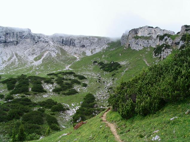 Foto: Andreas Koller / Wander Tour / Stanserjoch und Tunnelsteig (2102m) / Die Anstiegsroute auf das Stanserjoch / 18.06.2007 17:19:07