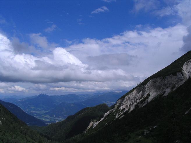 Foto: Andreas Koller / Wander Tour / Stanserjoch und Tunnelsteig (2102m) / Blick vom Weißenbachjoch in das Unterinntal / 18.06.2007 17:18:29