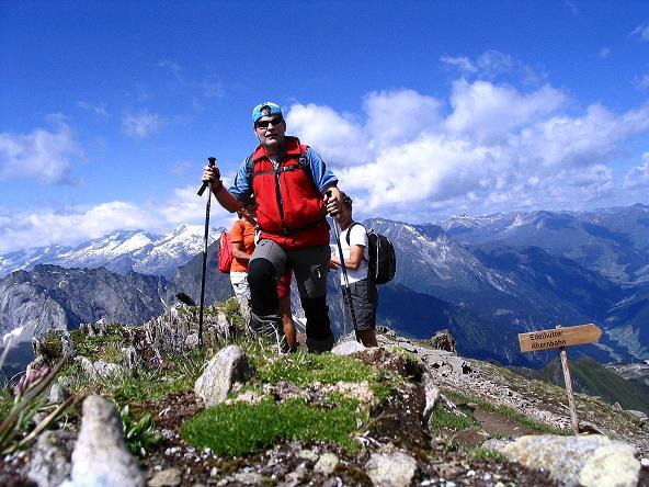 Foto: Andreas Koller / Wander Tour / Ahornspitze und Popbergschneid (2976m) / Am Grat dem Gipfel entgegen / 18.06.2007 18:04:18