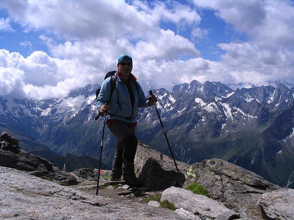 Foto: Andreas Koller / Wander Tour / Ahornspitze und Popbergschneid (2976m) / Die letzten Meter zum Gipfel des S-Gipfels / 18.06.2007 18:04:53