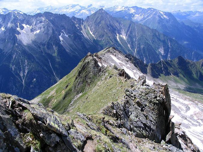 Foto: Andreas Koller / Wander Tour / Ahornspitze und Popbergschneid (2976m) / Die teilweise scharfe und ausgesetzte Popbergschneid / 18.06.2007 18:10:24