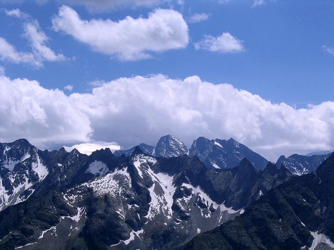 Foto: Andreas Koller / Wander Tour / Ahornspitze und Popbergschneid (2976m) / Das Floitenkess und der Schwarzenstein (3369 m) / 18.06.2007 18:14:36