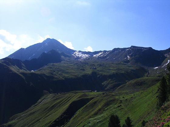 Foto: Andreas Koller / Wander Tour / Ahornspitze und Popbergschneid (2976m) / Die Ahornspitze mit der Popbergschneid (rechts) / 18.06.2007 17:59:35