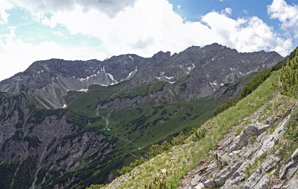 Foto: vince 51 / Wander Tour / Von Bichelbächle auf den Roten Stein / 18.06.2007 21:53:39