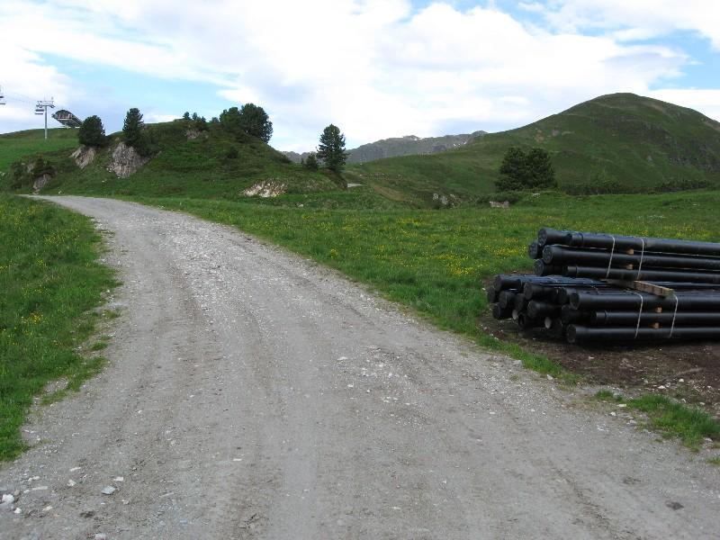 Foto: mucho / Mountainbike Tour / Gmünd Kellneralm Gerlos / rechts der Isskogel / 19.06.2007 07:33:29