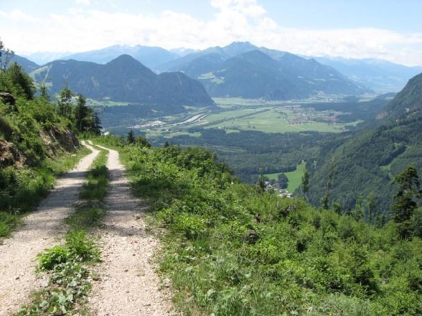 Foto: mucho / Mountainbike Tour / Voldöppberg / Eingang ins Zillertal mit Reither Kogl (li) und Kellerjoch (re) / 19.06.2007 17:28:31