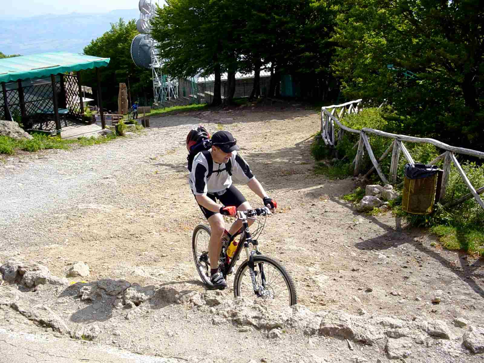 Foto: Manfred Karl / Mountainbike Tour / Monte Amiata, 1733 m / Geschafft! / 20.06.2007 06:14:34