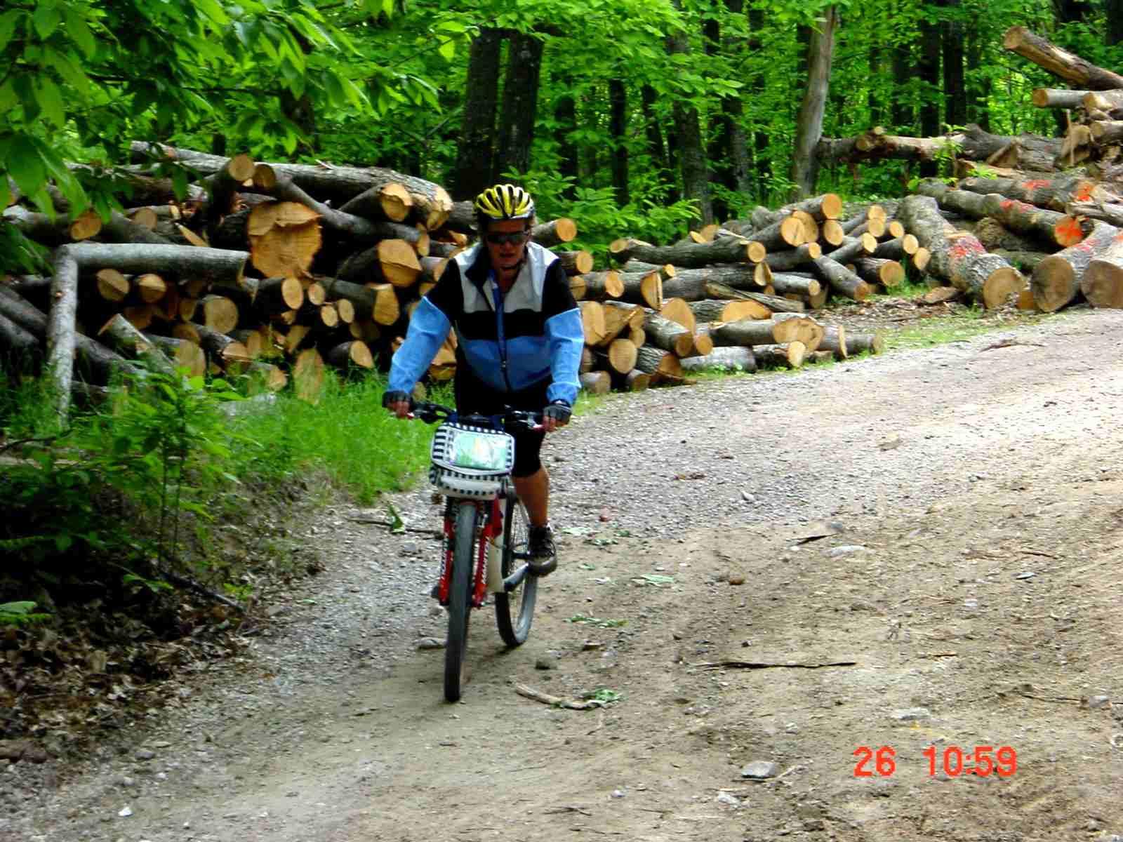 Foto: Manfred Karl / Mountainbike Tour / Monte Amiata, 1733 m / Kurz vor Abbadia / 20.06.2007 06:11:25