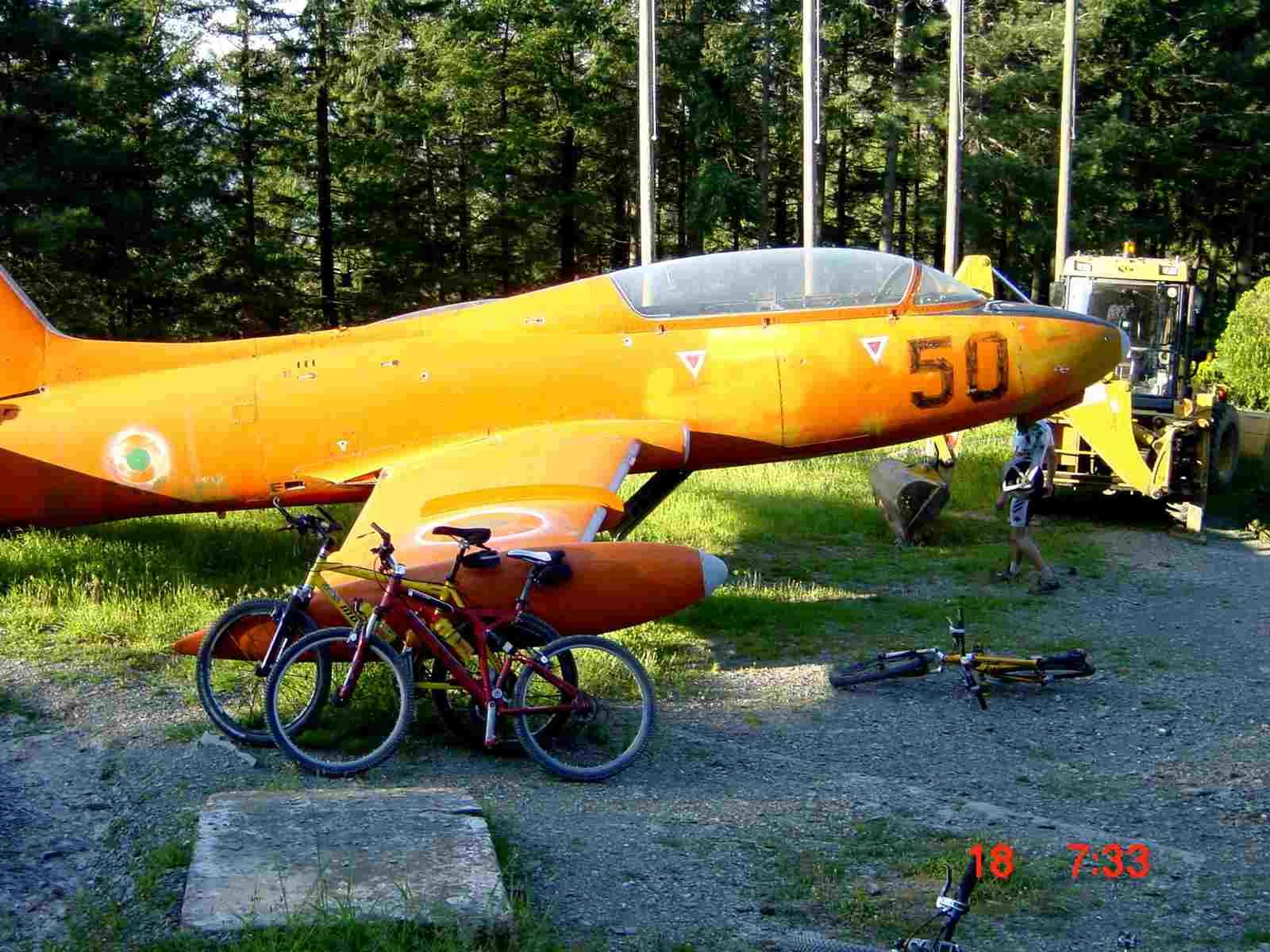 Foto: Manfred Karl / Mountainbike Tour / Monte Ginezzo, 928 m / Ob der noch abhebt? / 20.06.2007 06:22:31