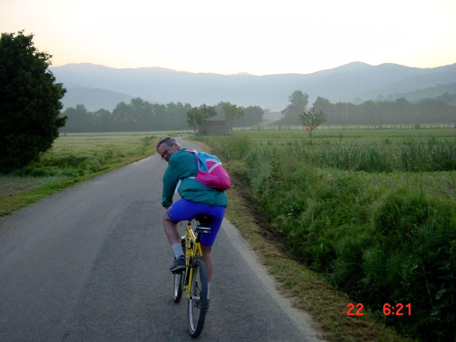 Foto: Manfred Karl / Mountainbike Tour / Monte Castel Giudeo, 1037 m / Kurz nach dem Start / 20.06.2007 06:31:13