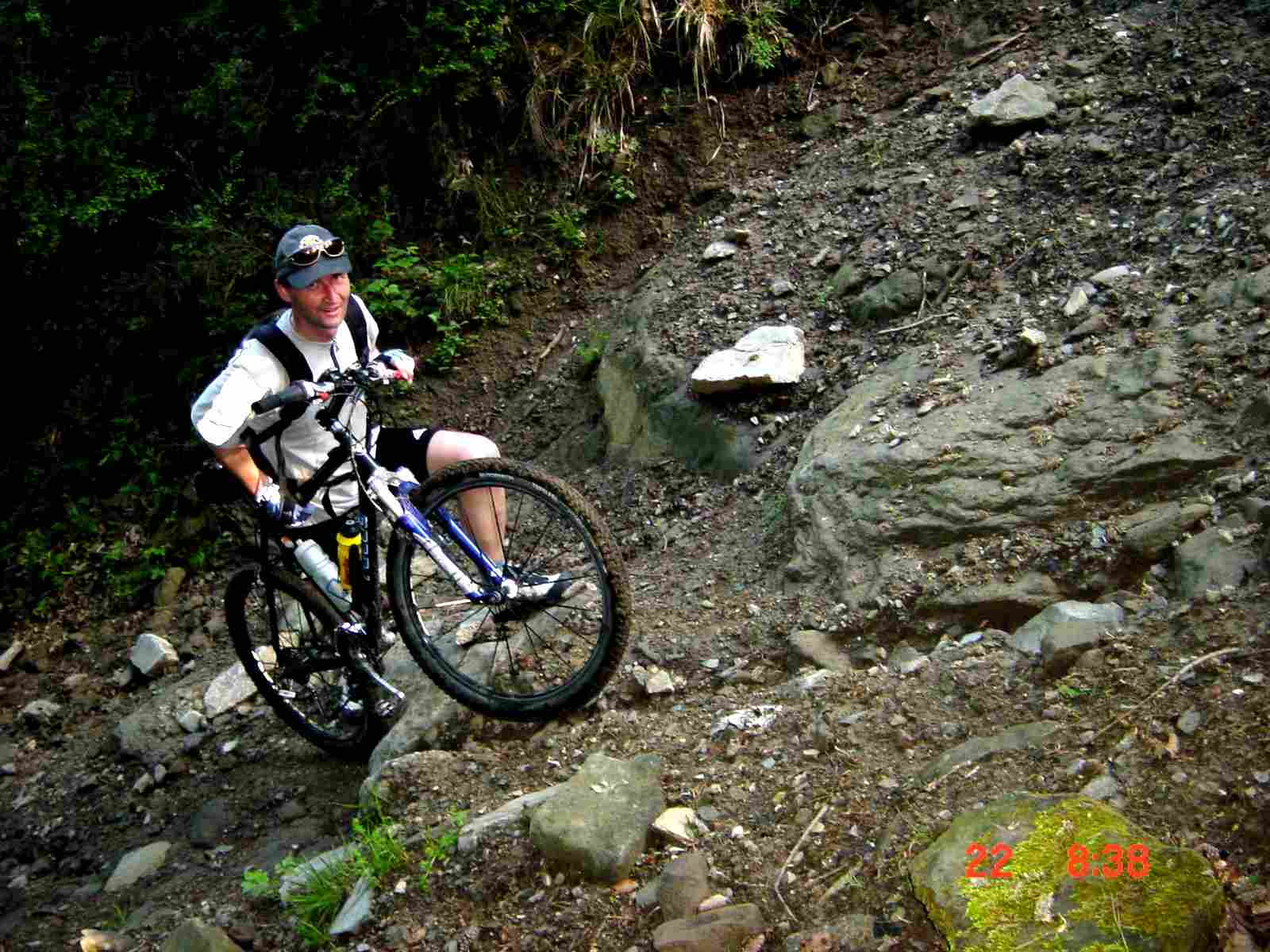 Foto: Manfred Karl / Mountainbike Tour / Monte Castel Giudeo, 1037 m / Letztes Steilstück / 20.06.2007 06:29:33