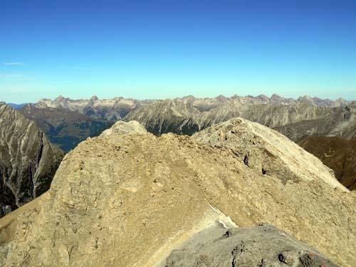 Foto: vince 51 / Wandertour / Vier-Gipfel-Tour von der Memminger Hütte / 19.06.2007 21:57:01