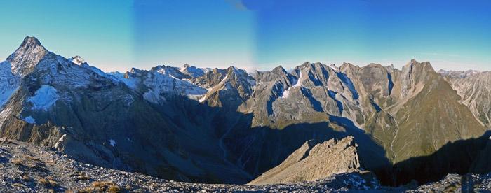 Foto: vince 51 / Wandertour / Vier-Gipfel-Tour von der Memminger Hütte / 19.06.2007 22:11:14