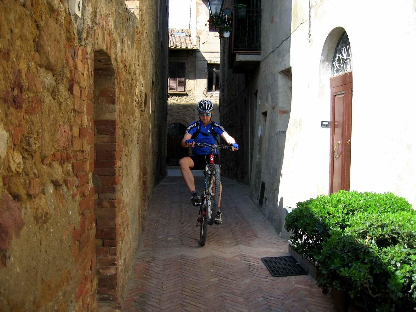 Foto: Manfred Karl / Mountainbike Tour / Von Bagno Vignoni nach Pienza / Pienza / 20.06.2007 17:46:49