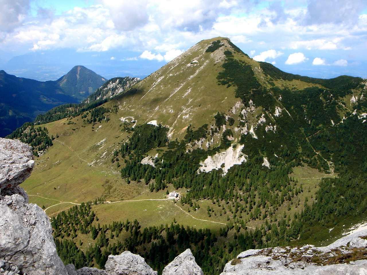 Foto: Manfred Karl / Wander Tour / Über die Klagenfurter Hütte auf den Geißberg / Der Kosiak - ein schön geformter Kegel / 20.06.2007 18:06:16