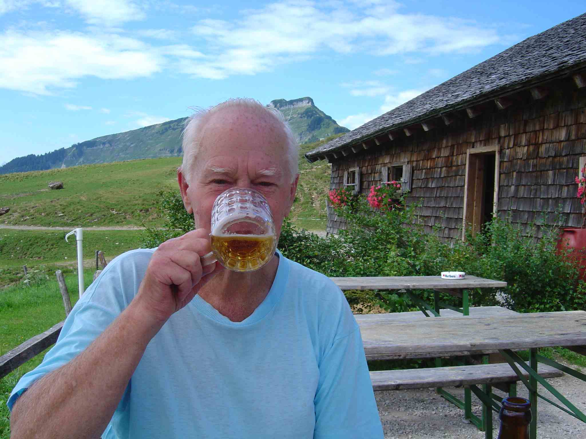 Foto: Manfred Karl / Wander Tour / Über den Nordostgrat auf den Regenspitz / Jetzt schmeckt´s! / 20.06.2007 18:23:01