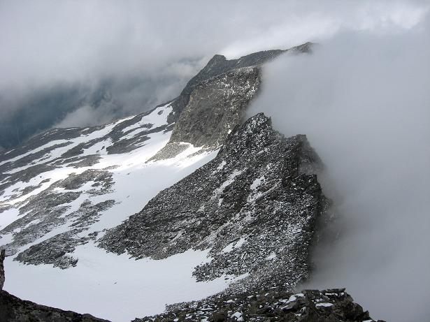Foto: Andreas Koller / Wandertour / Von der Osnabrückerhütte auf den Preimlspitz (3133 m) / Blick nach N zum Verbindungsgrat und dem NO-Flügel des Großelendkeeses / 27.06.2007 15:24:19
