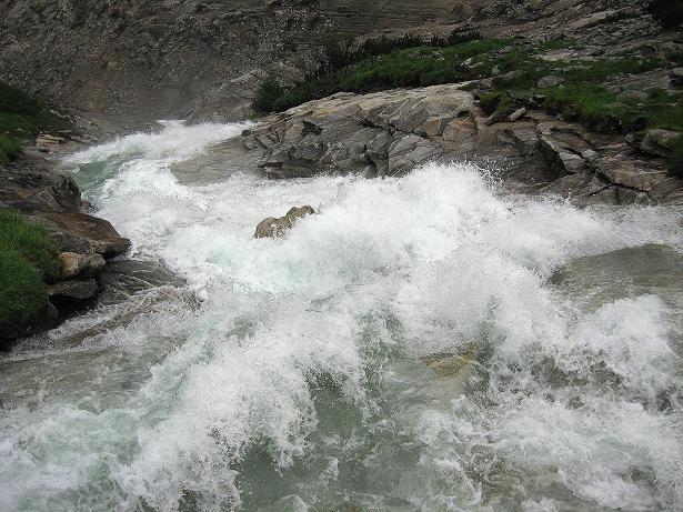 Foto: Andreas Koller / Wandertour / Von der Osnabrückerhütte auf den Preimlspitz (3133 m) / Rauschende Bäche und Wasserfälle im Maltatal / 27.06.2007 15:19:31