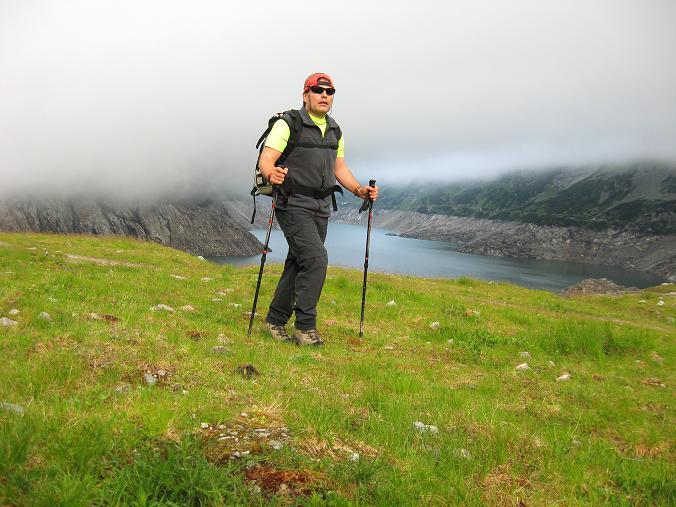 Foto: Andreas Koller / Wander Tour / Vom Maltatal ins Gasteinertal (2886 m) / Nebel über dem Kölnbreinspeicher / 27.06.2007 17:12:03