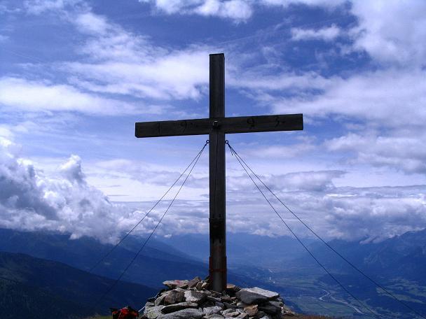 Foto: Andreas Koller / Wander Tour / Vom Loassattel über das Kellerjoch zum Spieljoch (2344 m) / Gipfelkreuz am Kuhmesser / 03.07.2007 12:46:53