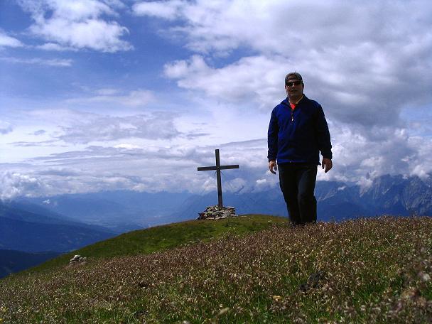 Foto: Andreas Koller / Wander Tour / Vom Loassattel über das Kellerjoch zum Spieljoch (2344 m) / Am Kuhmesser-Gipfel / 03.07.2007 12:46:13