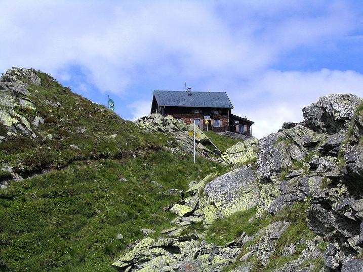 Foto: Andreas Koller / Wander Tour / Vom Loassattel über das Kellerjoch zum Spieljoch (2344 m) / Die Kellerjochhütte / 03.07.2007 12:45:32
