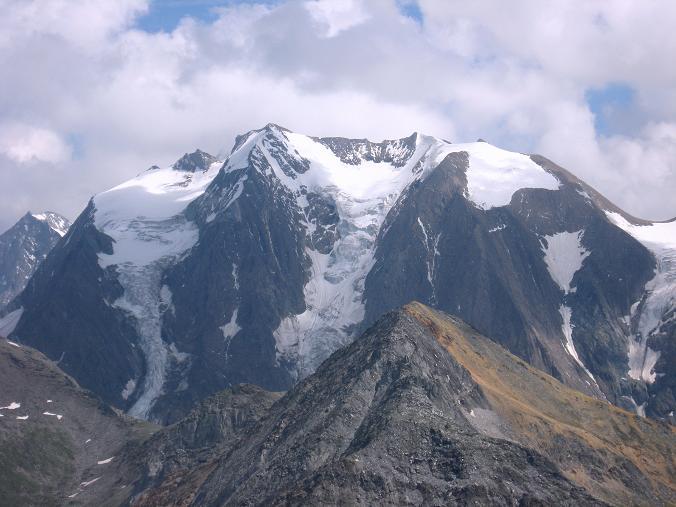 Foto: Andreas Koller / Wandertour / Schrammacher (3411 m) / Hochfernerspitze (3470 m) und Hochfeiler (3510 m) / 03.07.2007 13:33:42