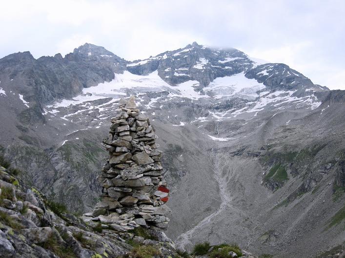 Foto: Andreas Koller / Wandertour / Schrammacher (3411 m) / Steinmann am Höhenweg und Olperer (3476 m) / 03.07.2007 13:32:42