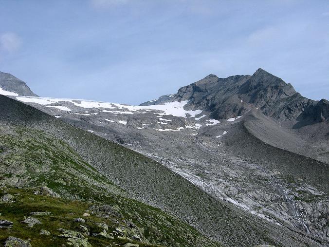Foto: Andreas Koller / Wandertour / Schrammacher (3411 m) / Annäherung zum Stampflkees und Schrammacher / 03.07.2007 13:40:53