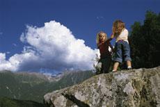 Foto: Tirol Werbung / Wander Tour / Adlerweg Etappe A24 - Ein Blumenmeer in den Bergen / 26.07.2007 10:13:18