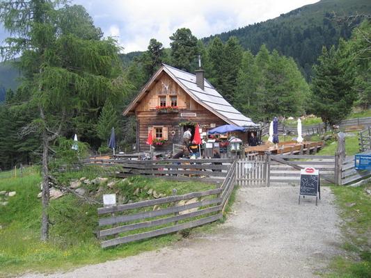 Foto: Tomii / Wander Tour / Von Sankt Oswald durch die Nockberge / Klein Kirchheimer Wollitzenhütte / 04.07.2007 17:59:18