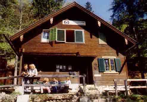 Foto: Johannes Mattes / Wander Tour / Im Salzkammergut: Vom Rindbach-Wasserfall zur Gassel-Tropfsteinhöhle  / Gasselhütte / 06.07.2007 12:58:04