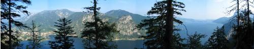 Foto: Johannes Mattes / Wandertour / Karbach - Daxnersteig - Erlakogel - Gasselhütte - Karbach / Blick auf den Traunsee vom Daxnersteig / 07.07.2007 01:11:37