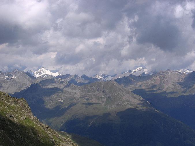 Foto: Andreas Koller / Wander Tour / Durch das Arntal auf die Weiße Spitze (2963 m) / Rötspitze (3495 m) links, Dreiherrnspitze (3499 m) rechts / 10.07.2007 17:52:30