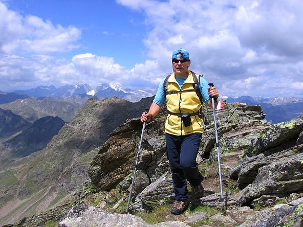 Foto: Andreas Koller / Wander Tour / Durch das Arntal auf die Weiße Spitze (2963 m) / Die letzen Meter des S-Grates auf die Weiße Spitze / 10.07.2007 17:48:07